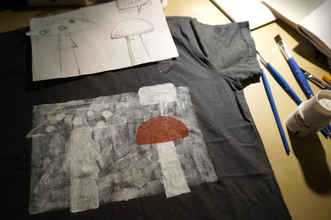 ručně malované tričko - s houbou