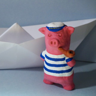 kapitán prasátko se svou lodí :-)