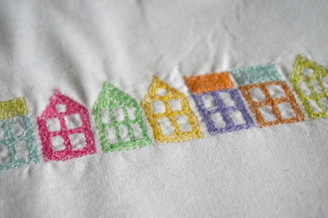 výšivka - barevné domy