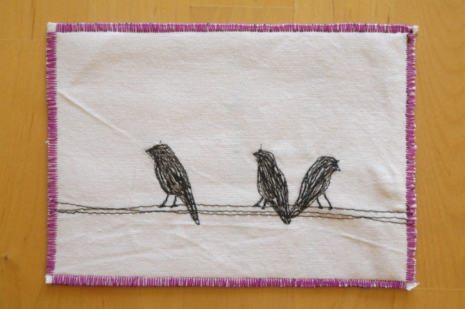 výšivka ptáci na drátě