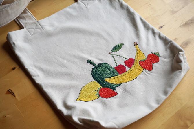 nákupní taška s výšivkou - ovoce a zelenina