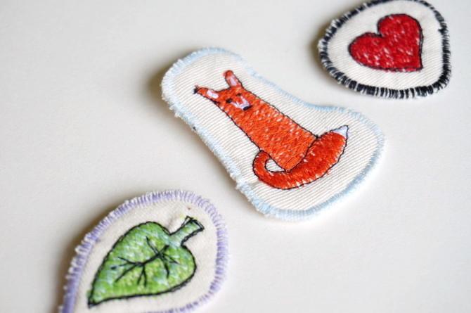 vyšívané brože - embroidery