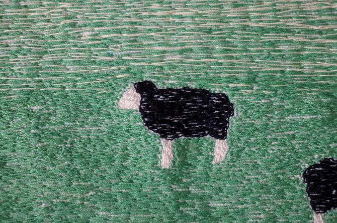 výšivka černá ovce