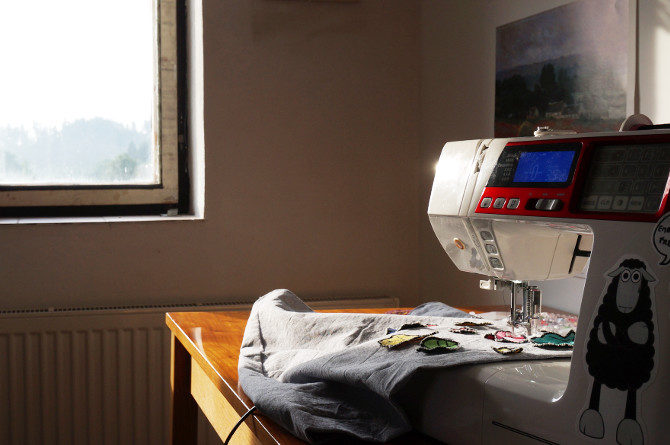vyšívání na stroji, šicí stroj