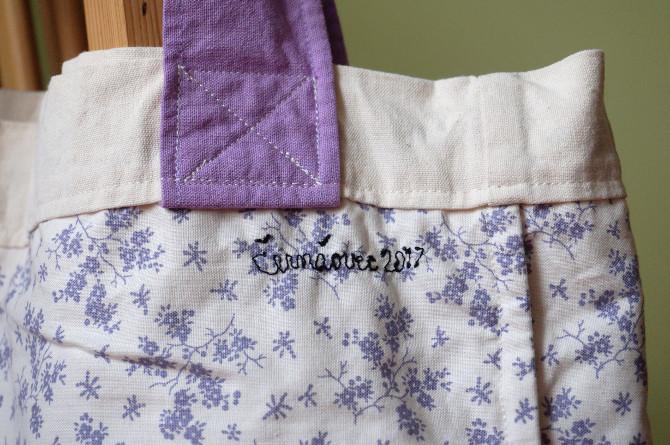 taška fialová detail