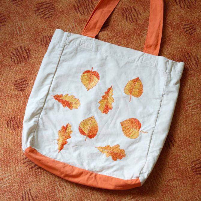taška s výšivkou listy