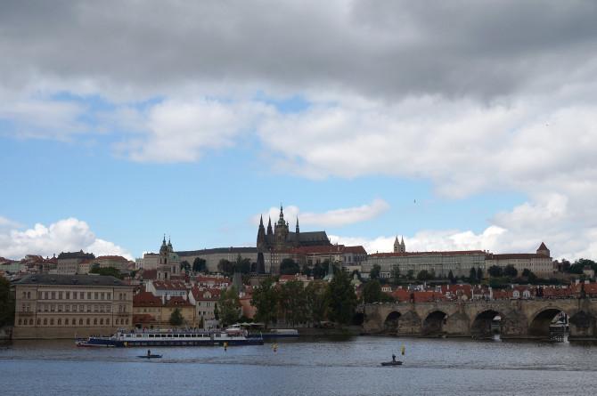 praha a pražský hrad - mraky